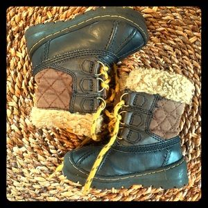 Baby Gap lined winter duck boots